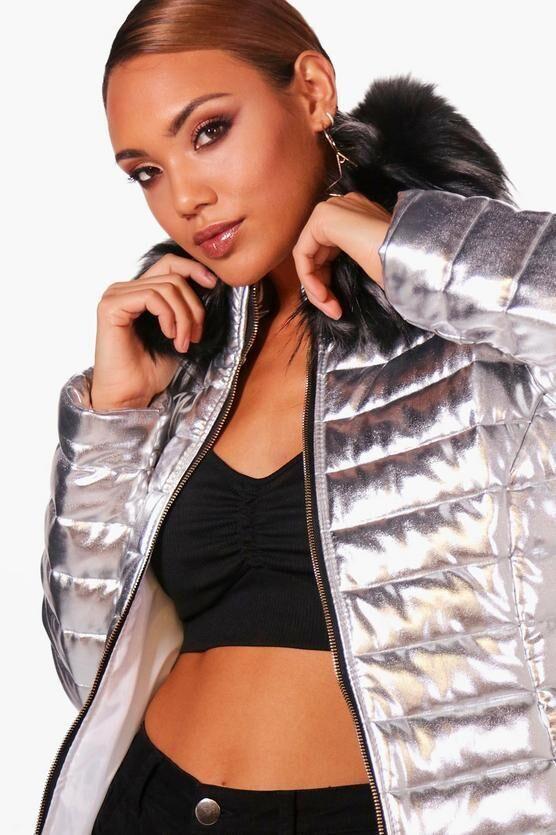 Дуже красива срібляста курточка boohoo РОЗПРОДАЖ