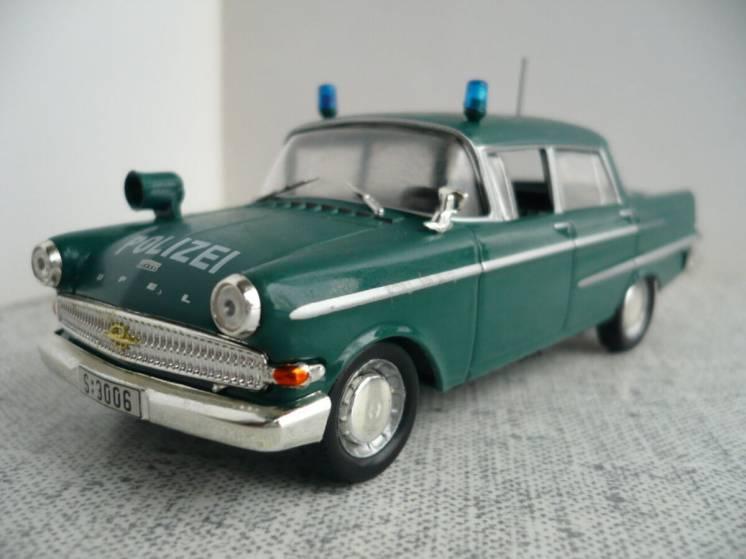 Opel Kapitan – Модель 1/43 Полицейские машины мира №6