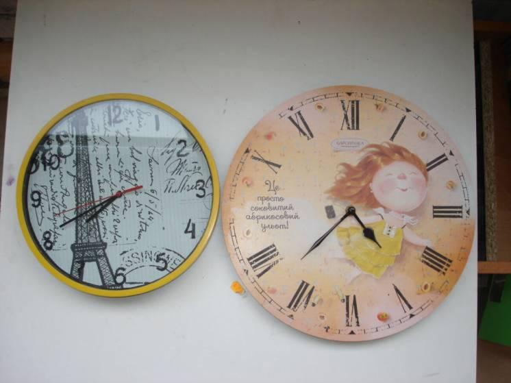 Часы настенные 2 шт. на запчасти или ремонт