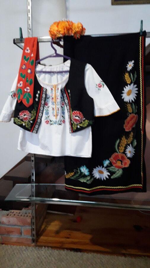 Продам женский украинский национальный костюм.