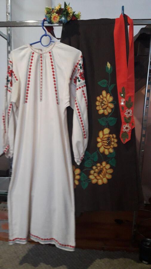 Продам украинский женский национальный костюм.