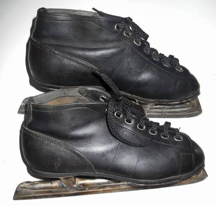 Коньки ледовые с ботинками СССР 1959 год