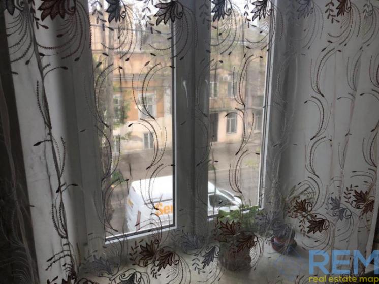 двухкомнатная квартира в центре города по ул. Утесова
