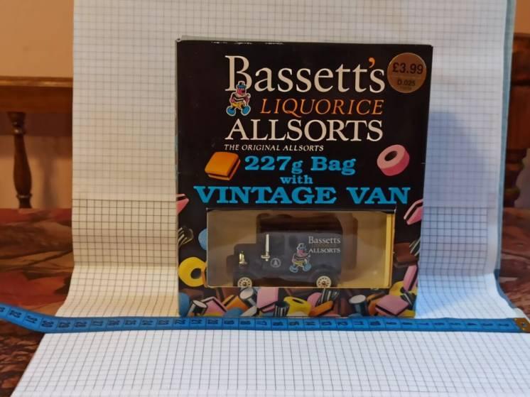 Lledo – Bassett's Liquorice Allsorts – t10104 – vintage van – моделька