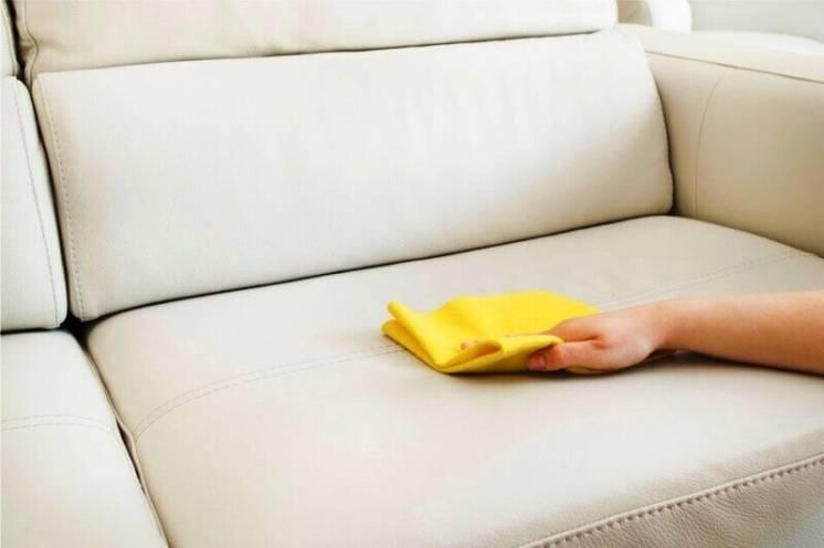 Професійне чищення меблів.