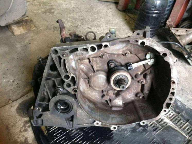 Б/у коробка передач, КПП Renault 1.5 dci ,8200210039, CE JRQ K9K,