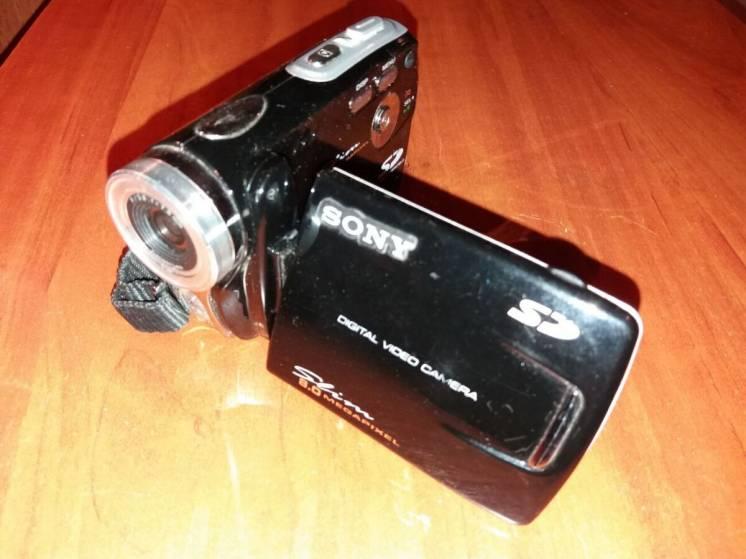 Видеокамера Sony Slim 8.0 megapixel