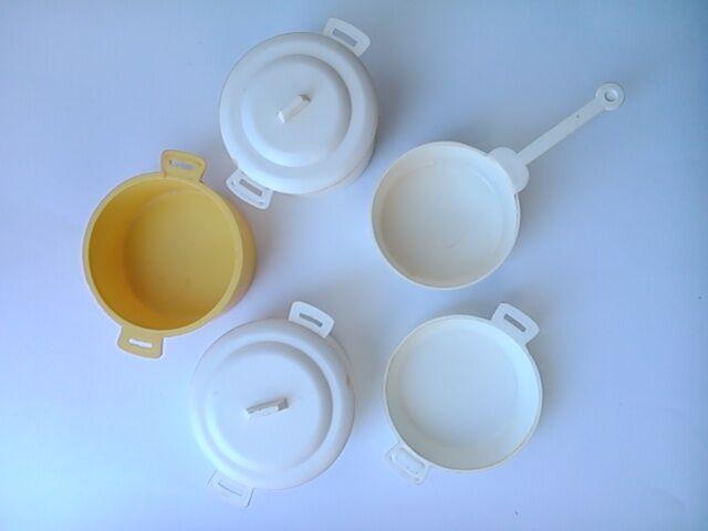 Советский набор игрушечной пластиковой посуды. Посудка для кукол.