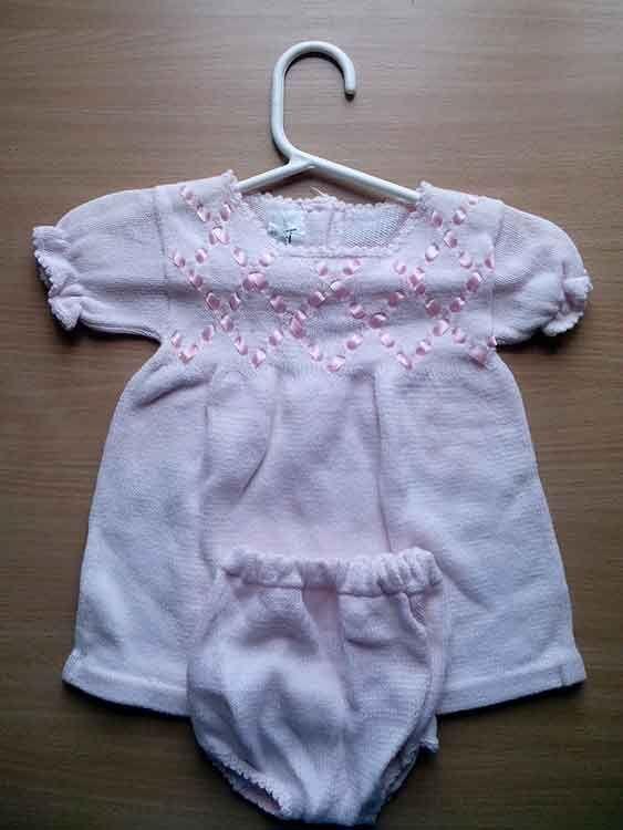Платье и шортики для маленькой девочки.