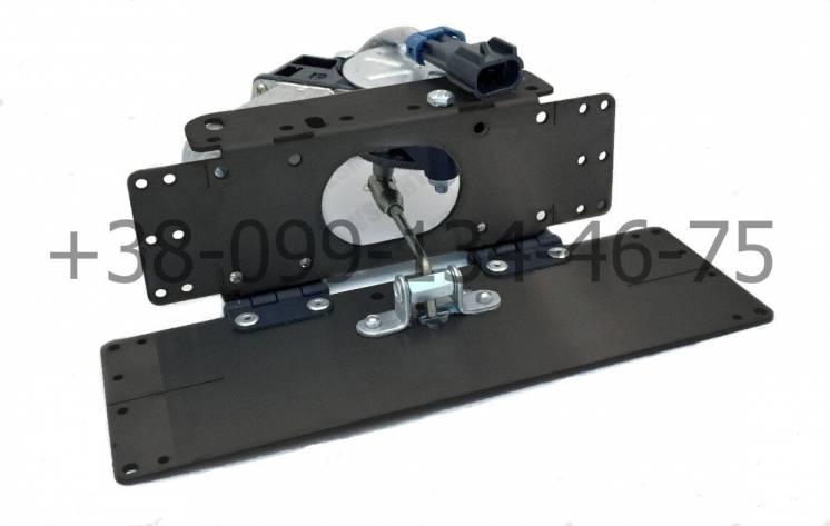 Автоматическая рамка-откидушка SpyZone на номер автомобиля