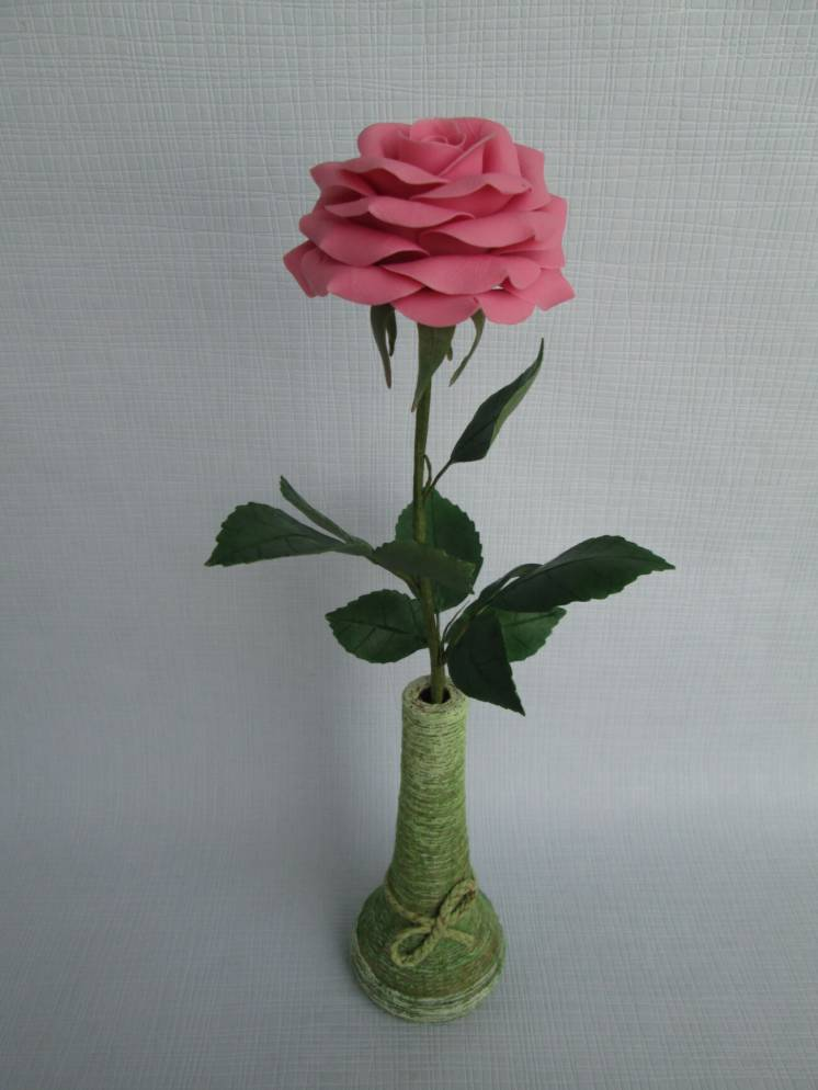 Роза из холодного фарфора. Ручная работа.