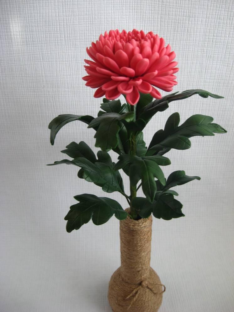 Хризантема из холодного фарфора. Ручная работа.