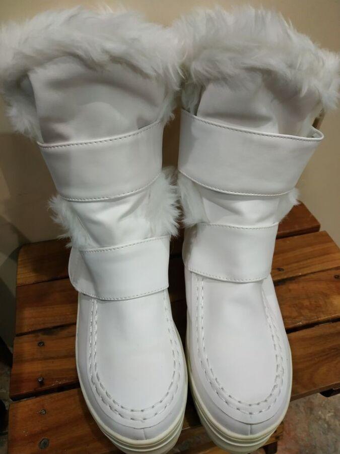 Белые зимние сапожки теплые сапоги размер 39