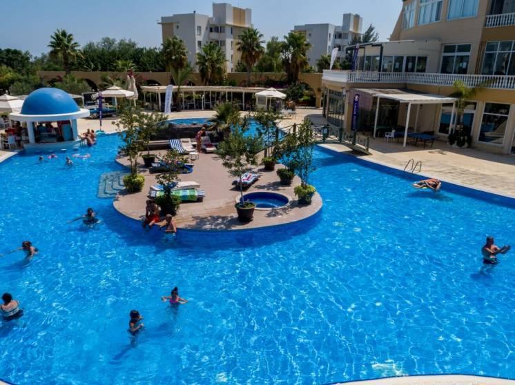 Caesar Resort/«Цезарь Ресорт»
