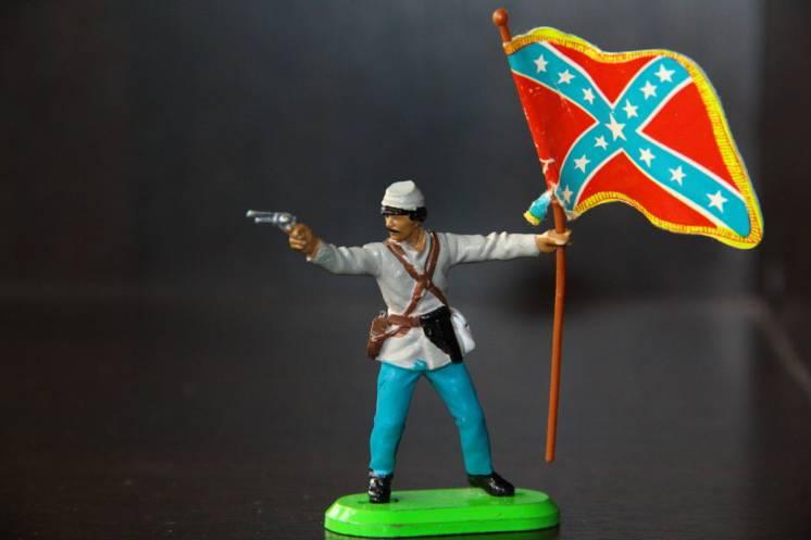 солдатик с флагом BRITAINS 54мм