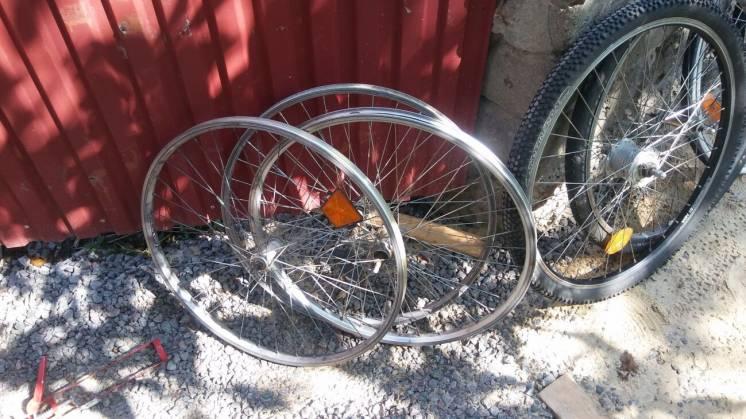 продам велоколеса 26.28д динамовтулка.