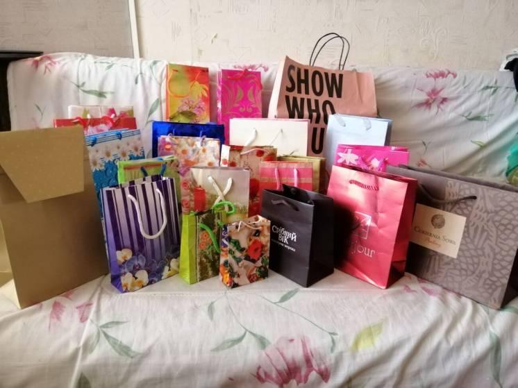 Продам новые сумочки пакеты подарочные разные