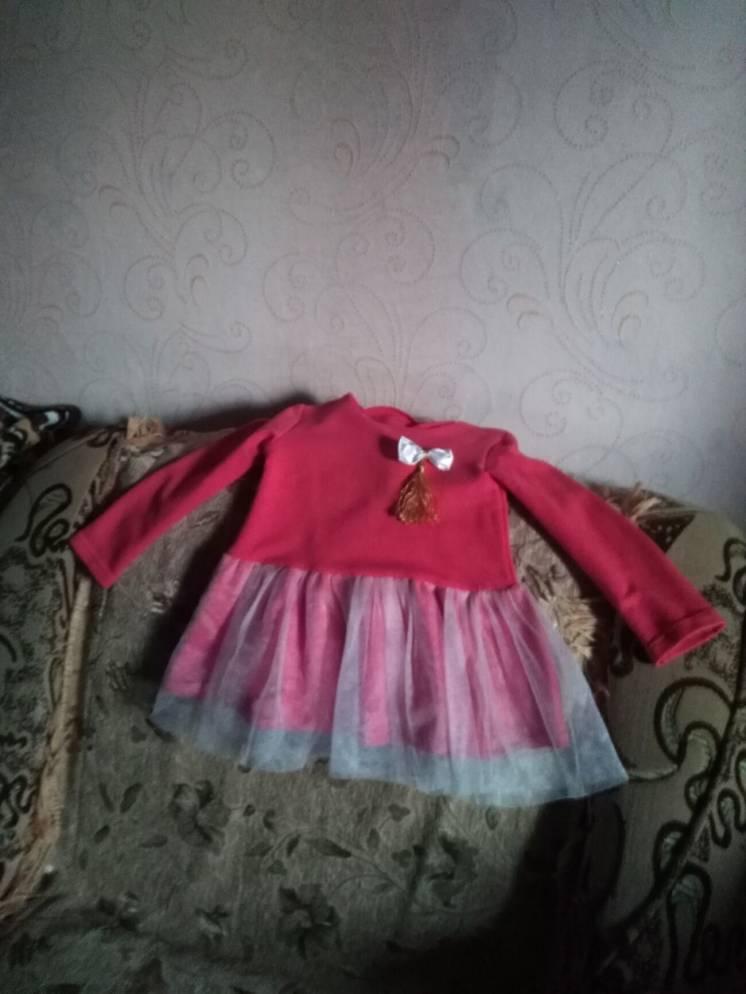 Продам плаття нарядні для дівчинки