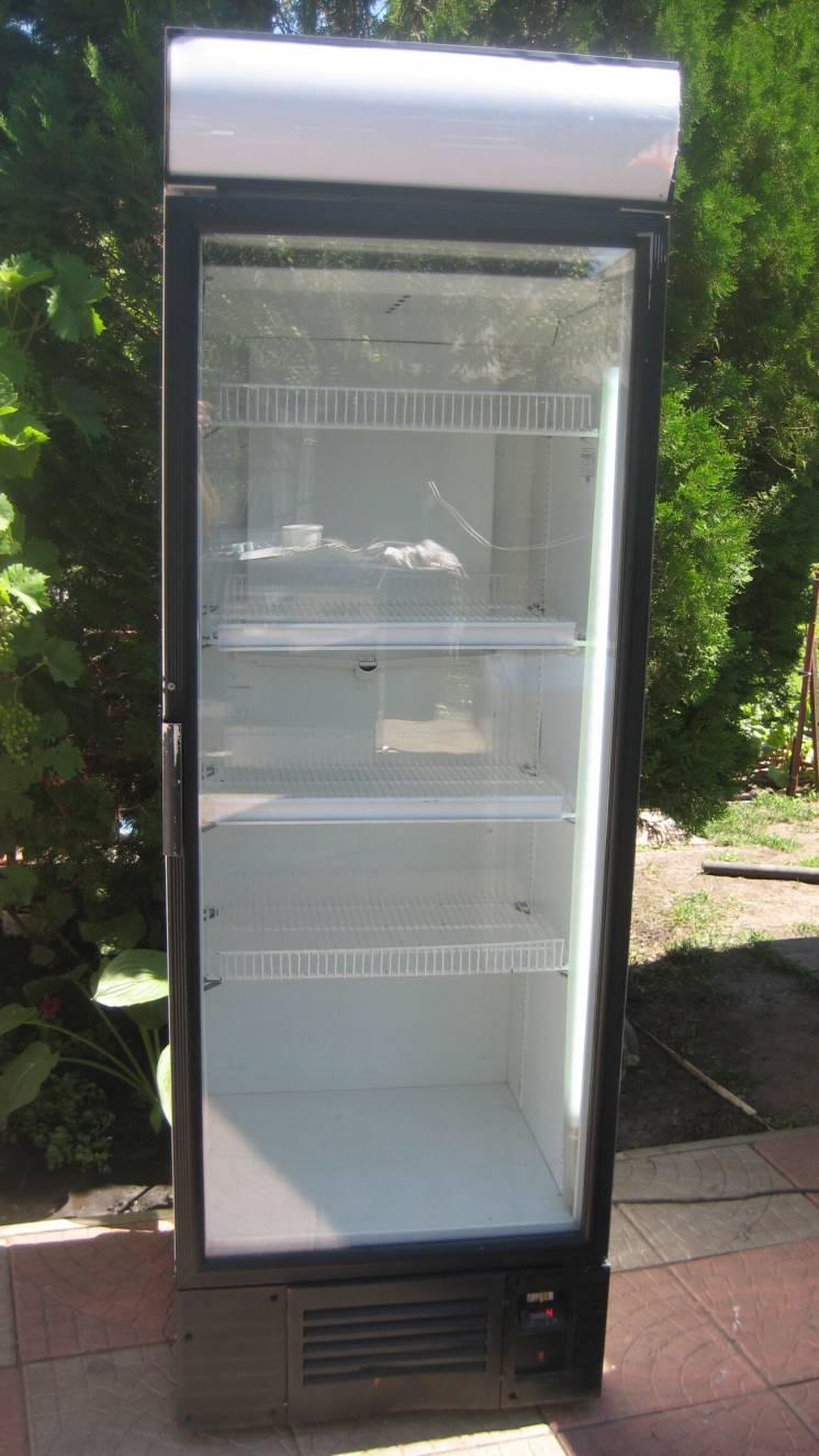 Витринный холодильник INTER
