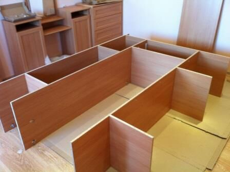 Сборка и разборка шкафов и другой мебели. Каменское.