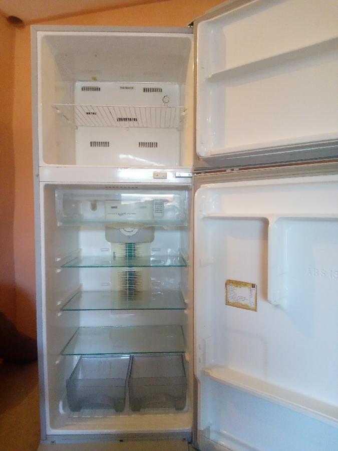 Большой SAMSUNG no frost (сухая заморозка)двухкамерный холодильник