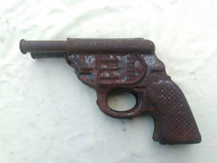 Жестяная игрушка ссср пистолет два ствола