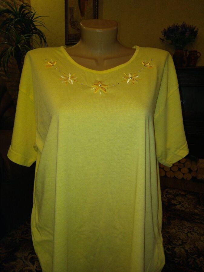 Новая женская футболка с вышивкой