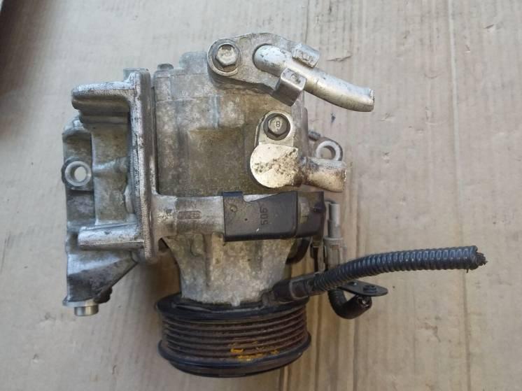 Компрессор кондиционера Subaru Outback B13 3.0i (73111AG012)