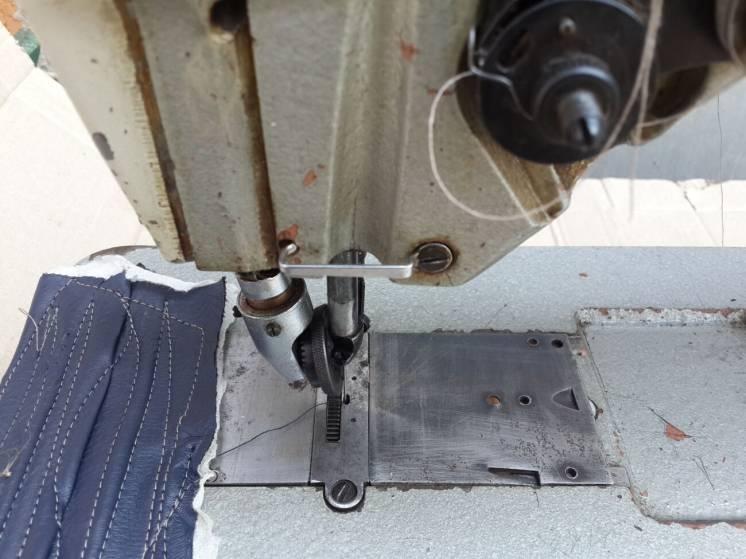 Швейная машина обувная 330 -8 класс, машинка - ПМЗ.