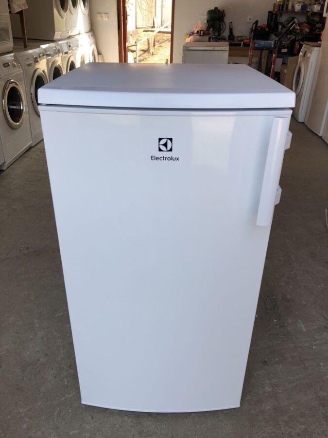 Продам холодильник Electrolux 105 см