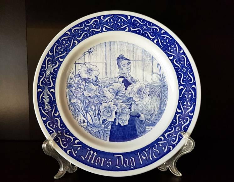 Продам шведские, декоративные, фарфоровые тарелки