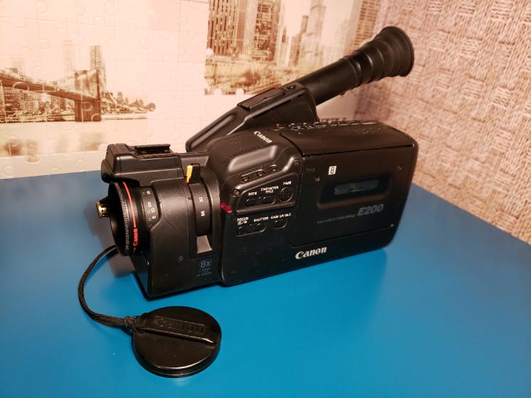 Видеокамера Canon Panasonic Grundig Bauer (Germany)