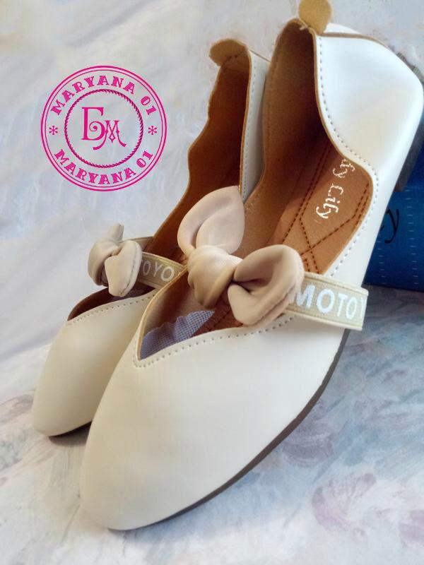 Оригинальные бежевые балетки, мокасины