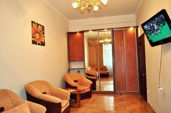 1 к. квартира з ремонтом на вул. Валова