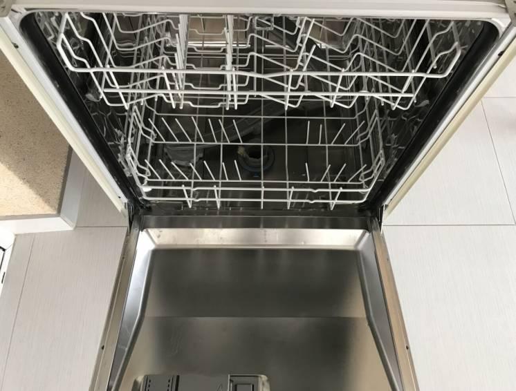 Встраиваемая Посудомоечная машина BOSH под ремонт или на запчасти