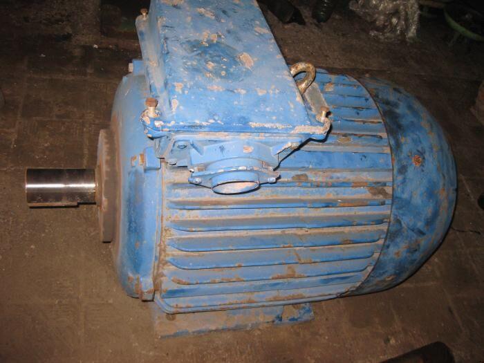 Продам электродвигатель 4АМ250S2 75кВт 3000 об/мин.380/660V