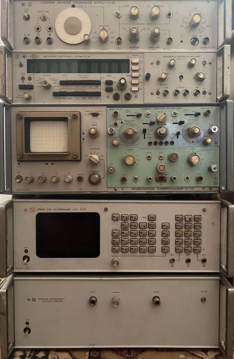 Куплю радиостанции приборы платы осциллограф радиодетали микросхемы