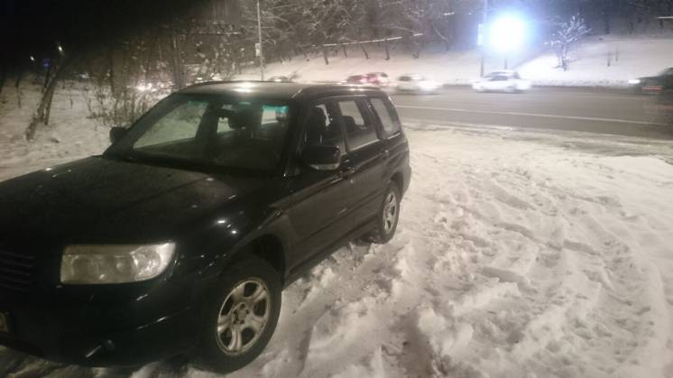 Продам Subaru Forester 2.0, черный 2007