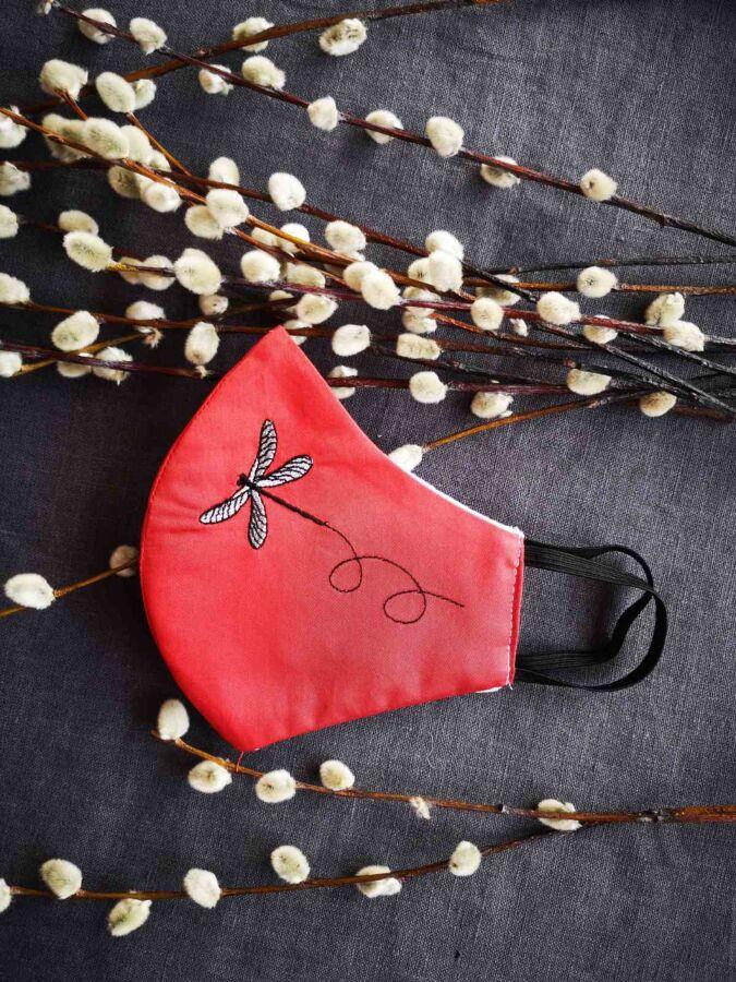 Маскамногоразовая с вышивкой Tvoyamaska. 100% хлопок сатин