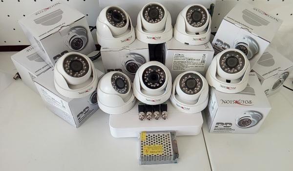 Комплект видеонаблюдения видеорегистатор 8 камер блок