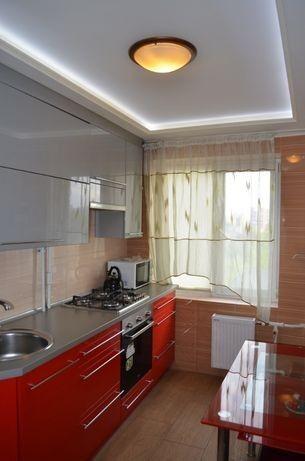 Светлая, уютная 2-к. квартира с видом на Днепр