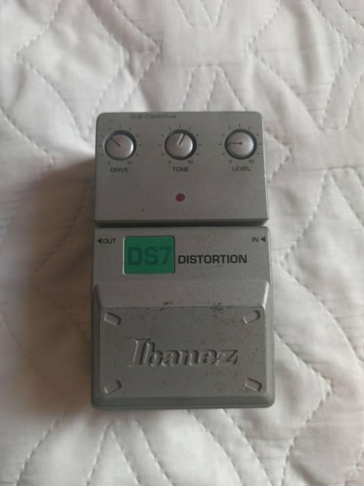Педаль дісторшн Ibanez DS7