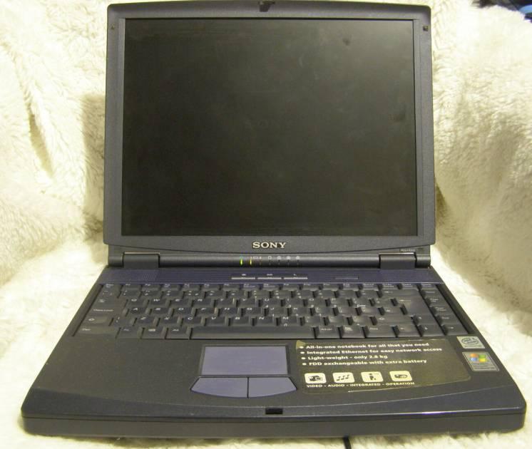 Ноутбук б/у наполовину рабочий SONY PCG-991M