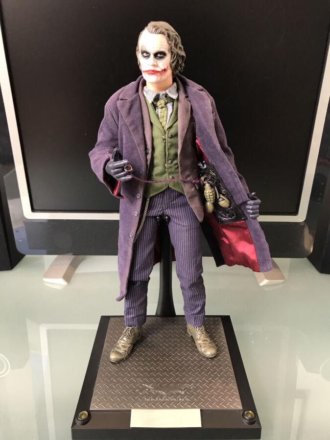 Продам б/у фигурку 1/6 Joker hot toys DX01 некомплект