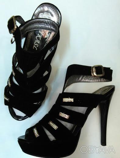 Босоножки женские на каблуке 35-40 размер.