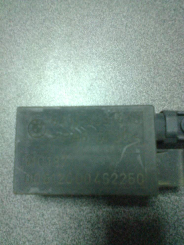 64118391470 датчик кондиционера ,реле  BMW 7 Е 38