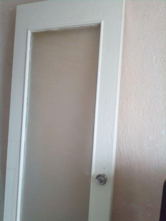 Продам межкомнатные двери б/у