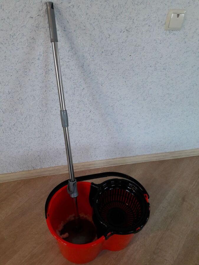Набор для уборки (швабра и ведро с отжимом)