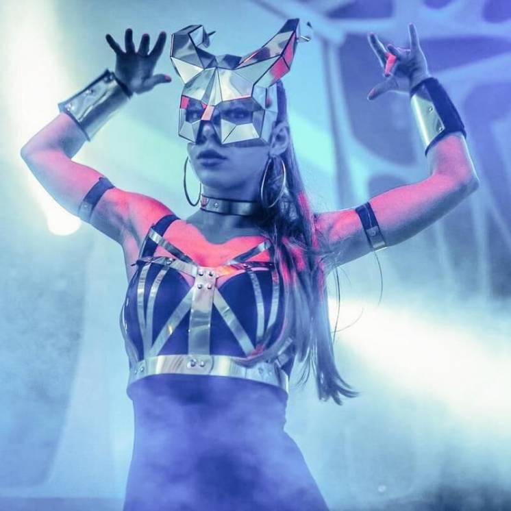 Зеркальные полигональные маски, костюмы для шоу