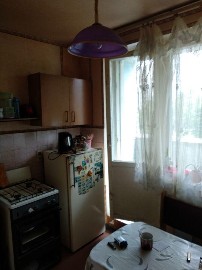 Продам 1 комнатную возле Индустриальной